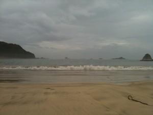 外浦海岸(台風で黄旗)、2011/7/18