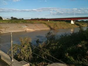 滝馬室橋から御成橋を望む(日本一の川幅)