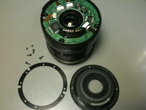 マウント部とリングを外して基板を露出。EF-S18-55mm F3.5-5.6 II USM