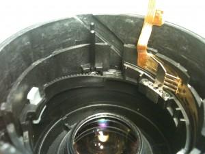 分離の目印。EF-S 18-55mm II USM