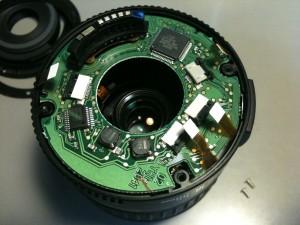 基板のネジを外した。EF-S18-55mm F3.5-5.6 II USM
