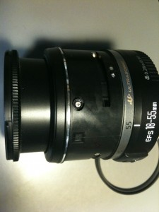 側面ネジ (7)、Ultrasonic表示・2連ネジ部。EF-S18-55mm F3.5-5.6 II USM