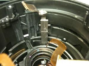 ストッパーの棒(内部)。EF-S18-55mm F3.5-5.6 II USM