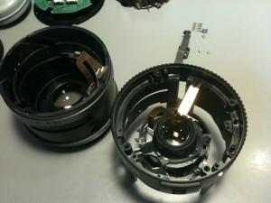 前玉と後玉・絞りユニットを分離。EF-S18-55mm F3.5-5.6 II USM