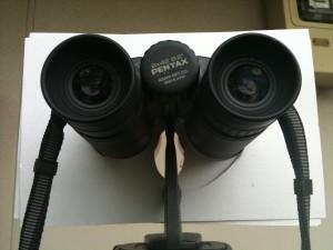 双眼鏡の遮光板(隙間)